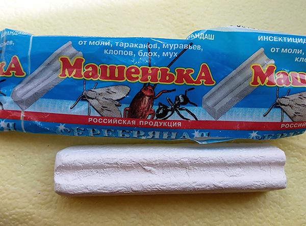 Le crayon insecticide Masha, lorsqu'il est utilisé correctement, aide également à lutter contre les punaises de lit dans la maison.