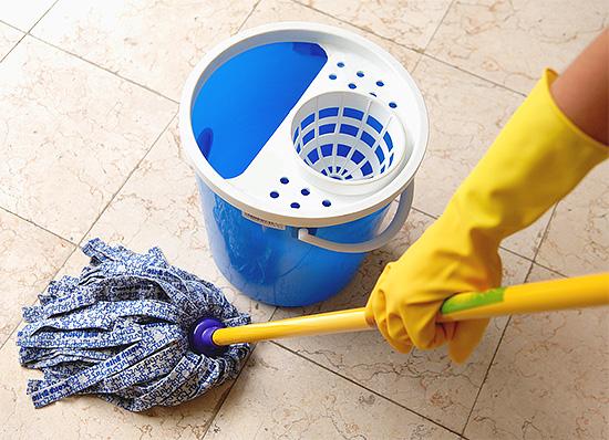 Quelques heures après la fin de la procédure, il est nécessaire de procéder à un nettoyage humide dans la pièce.