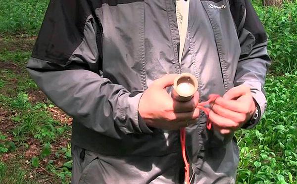Les pions insecticides insectifuges ont un effet positif même s'il ya un très grand nombre de moustiques et de mouches noires sur le territoire.