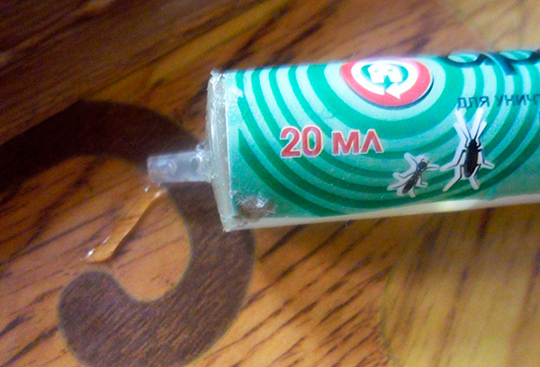 Les gels de blattes sont souvent vendus en seringues ...