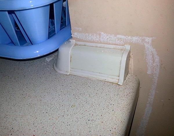 Dans de nombreux appartements, l'outil est utilisé à des fins préventives - afin que les cafards ne réapparaissent pas.